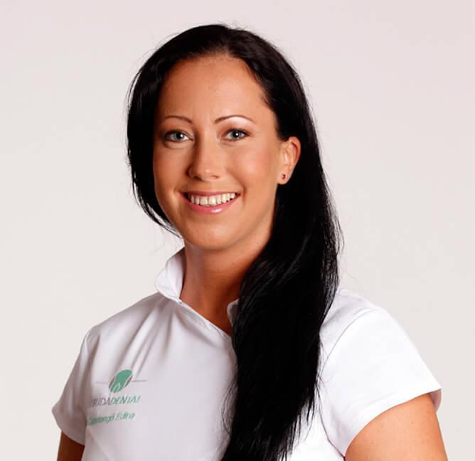 Dr. Csmangó Edina fogszabályozó fogszakorvos az ÚjBuda Dentalban