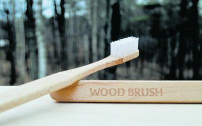 Fából készült fogkefe